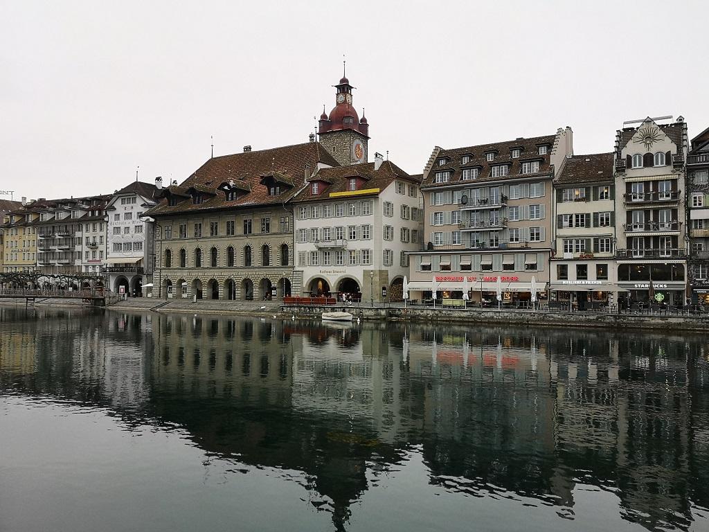 Vue depuis le pont de Lucerne, Maire